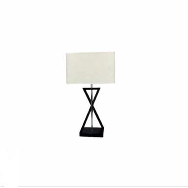 Επιτραπέζιο φωτιστικό Ivory Lamp, με υφασμάτινο τετράγωνο αμπαζούρ στο χρώμα της μόκας